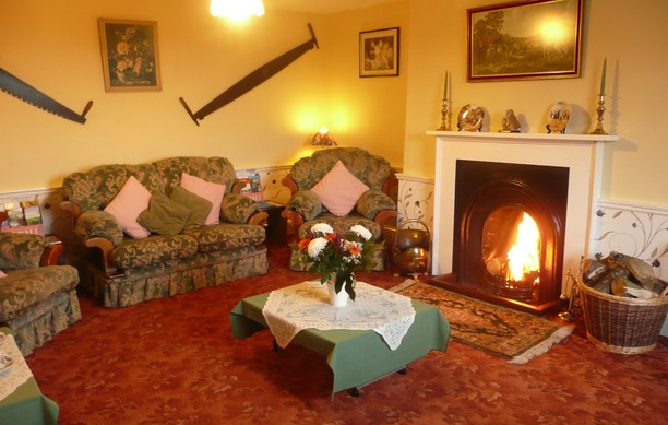 The cosy lounge at Woodhouse Farm B&B